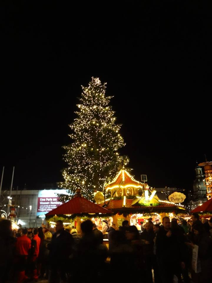 The Christmas markets brighten up German town squares during the darkest  weeks of the year. (Dresden) 7b9d072f7ad