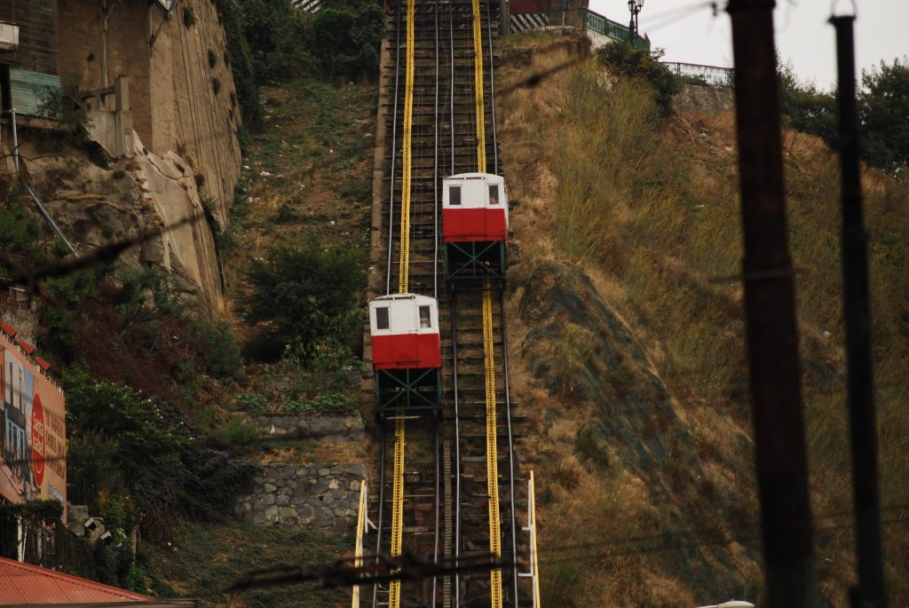 One of the several sets of ascensores in the city! An ingenious way to avoid walking up the hills. Photo not my own (taken from https://commons.wikimedia.org/wiki/File:Ascensor_Artilleria_in_Valpara%C3%ADso.jpg; file is licensed under the Creative Commons Attribution 2.5 Generic license)