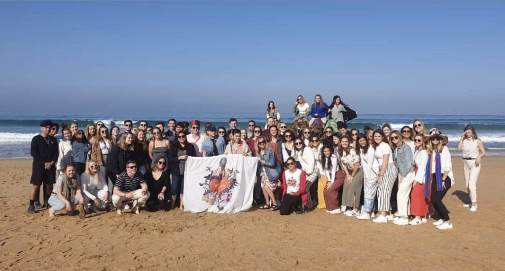 WeLoveSpain group picture in Morocco. Trip included study abroad students and Spaniards alike!