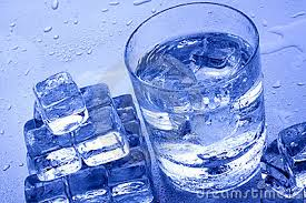 Drinking a lot of water in winter is extremely important, despite the fact that people do not sweat.